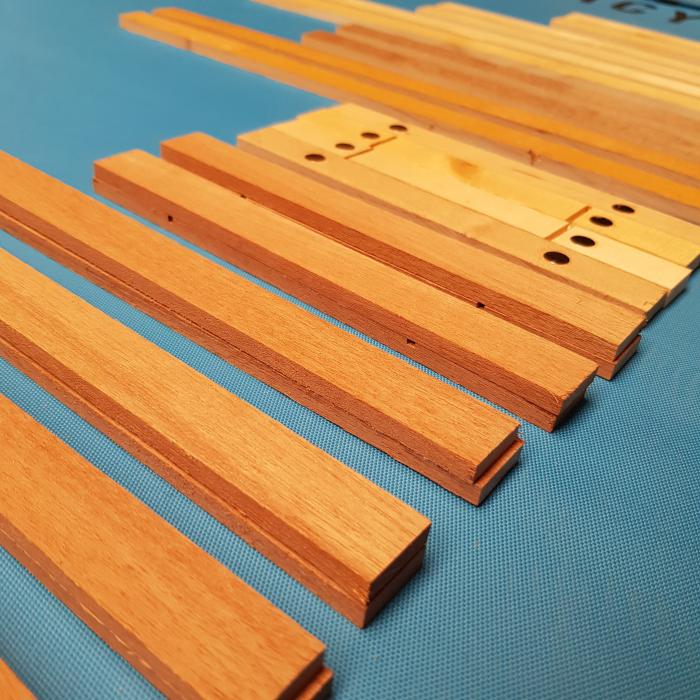 Wooden magnet art hangers