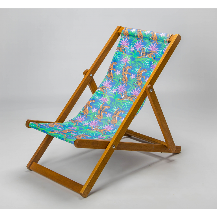 jungle print with tiger deck chair